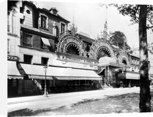 The Concert de Trianon in Paris 84 boulevard Rochechouart 1900 by Eugene Atget