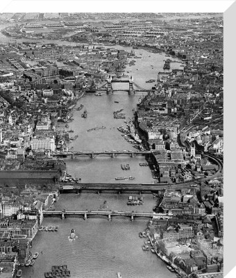 River Thames, 1951 by PA Images