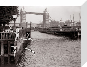 Hot Weather, London Tower Bridge - June 1952 by Mirrorpix