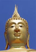 Head of the golden statue of Buddha by Rosseforp