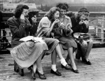 Evacuees return from USA, 1945 by Mirrorpix