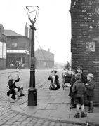 Street games, Manchester 1943 by Mirrorpix