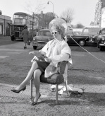 Outdoor hairdressing Finchley Road 1961