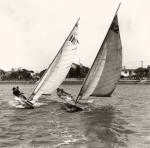 Close dinghy racing in the United States