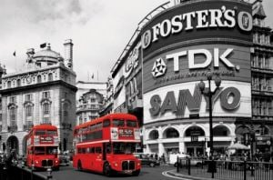 Piccadilly Circus (London Red Buses) by Maxi