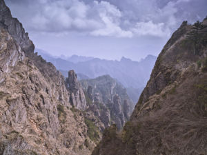 Rocky mountain, Shennongjia National Park, china, elevated view by Assaf Frank