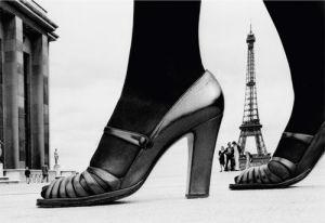 Chaussures et Tour Eiffel by Frank Horvat