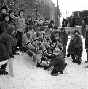 Ice hockey, Stockholm 1953 by Mirrorpix