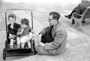 Children with ice creams, Hastings 1952 by Mirrorpix