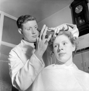 Barbers shop, Oldham 1953 by Mirrorpix