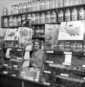 Sweetshop, 1960 by Mirrorpix
