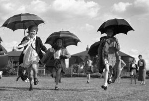School sports day, Kingston upon Thames 1936 by Mirrorpix