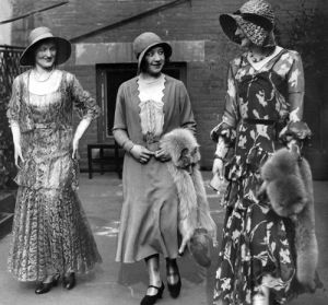 Fashion models, 1920s by Mirrorpix