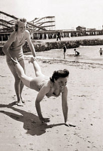 Clacton on Sea 1946 by Mirrorpix