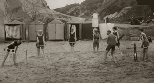 Beach cricket, Bournemouth 1915 by Mirrorpix