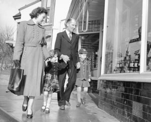 Family shopping, 1954 by Mirrorpix
