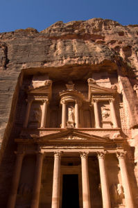 The Treasury building (Al Khazneh), Petra, Jordan by Sergio Pitamitz