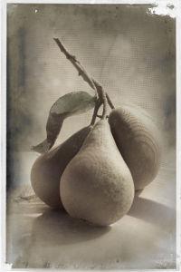 Trois Poires by Deborah Schenck