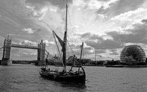 Thames barge, Pool of London by Niki Gorick