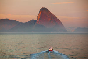 Pilot Boat and Pao de Acucar by LOOK