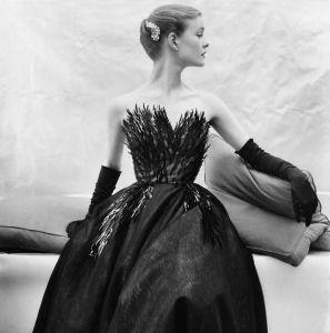 Vogue December 1952 by Henry Clarke