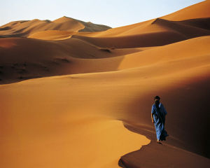 Merzouga, Sahara, Maroc by John Beatty