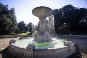 Fountain - Rome by Richard Osbourne
