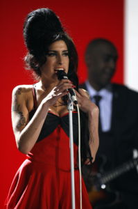 Amy Winehouse performs 'Rehab' by Mirrorpix