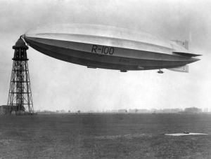 Vickers R100 at mast after return from Canada by Mirrorpix