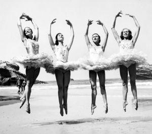 Ballet dancers by Mirrorpix