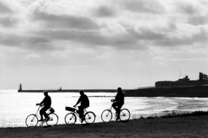 Cyclists by Mirrorpix