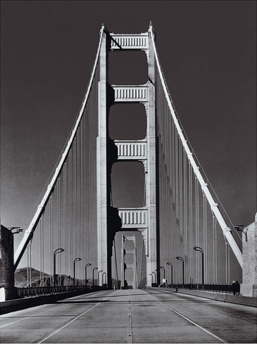 The Golden Gate Bridge, Summer am by Hulton Collection