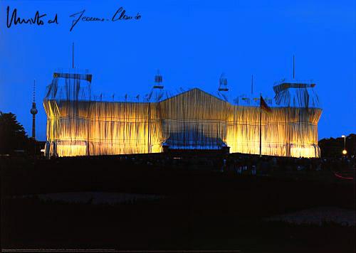 Reichstag Vorderseite nachts by Javacheff Christo
