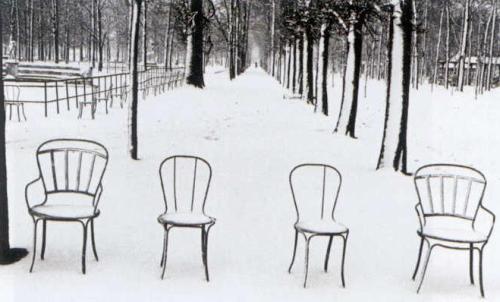 Neige aux Jardins des Tuileries, Paris by Martine Franck