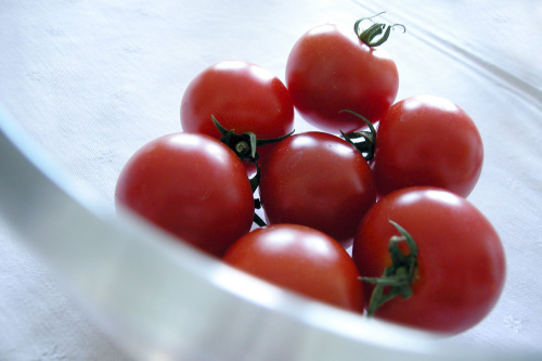 Tomatoes by Rosseforp