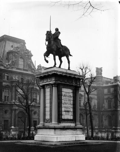 Monument dedicated to General Lafayette by Paul Wayland Bartlett