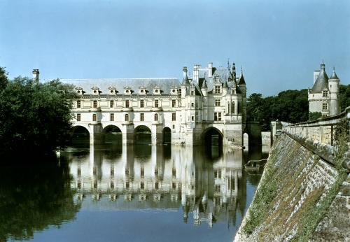 Exterior view of the dungeon the Chateau de Bohier by French School