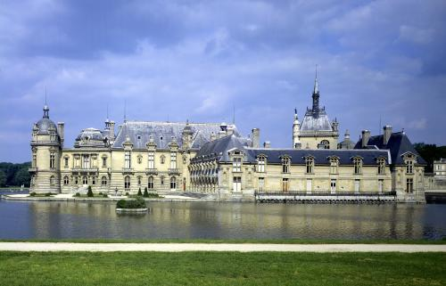View of the Grand and Petit Chateau (by Pierre Daumet) by Anonymous