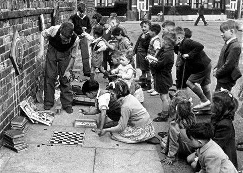Street games, Ashford 1949 by Mirrorpix