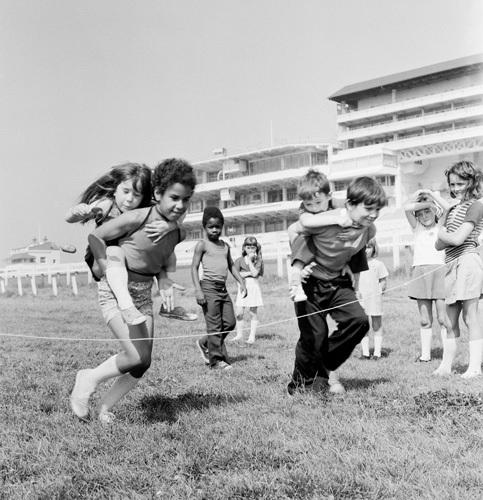 Childrens games, Epsom 1973 by Mirrorpix