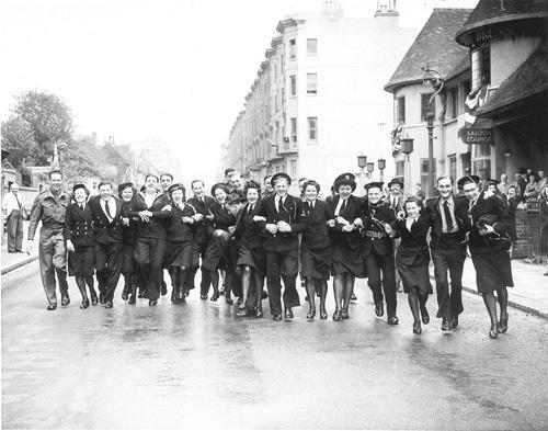 VE Day, Brighton 1945 by Mirrorpix