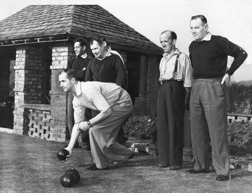 Miners playing bowls, Hartfield Hall 1950s by Mirrorpix