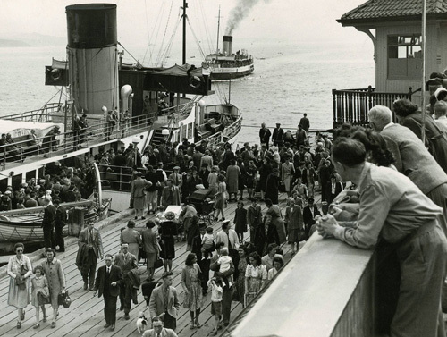 Paddle steamer at Dunoon Pier, 1957 by Mirrorpix