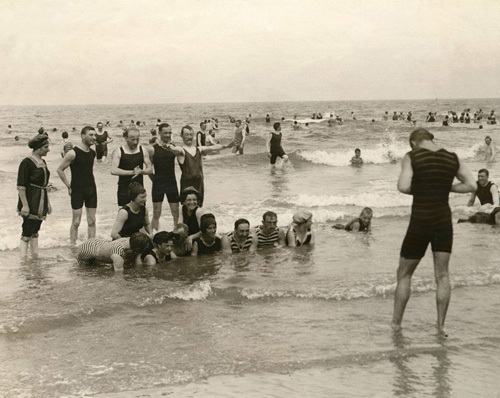 Holiday snap, Norderney 1911 by Mirrorpix