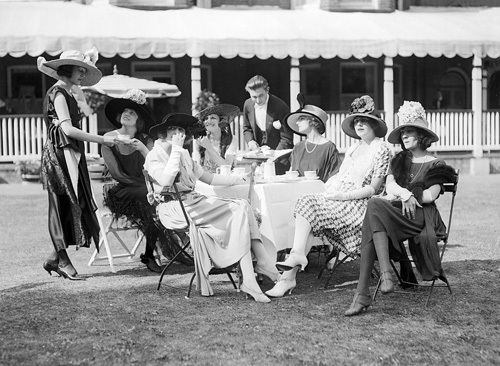 Ascot fashions, 1921 by Mirrorpix