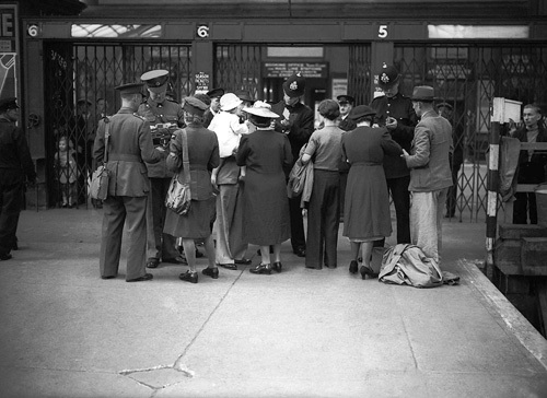 Wartime railway station, 1940s by Mirrorpix