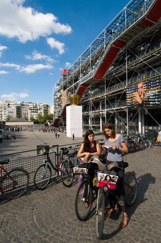 Centre Pompidou, Paris, France by Sergio Pitamitz