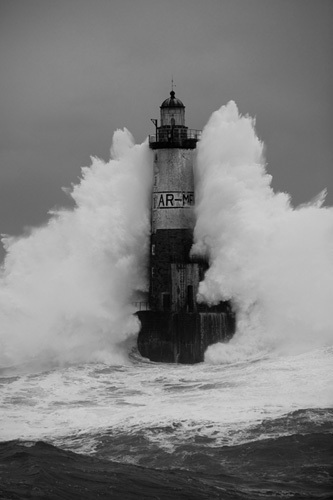 Phare d'Armen - Wave I by Jean Guichard