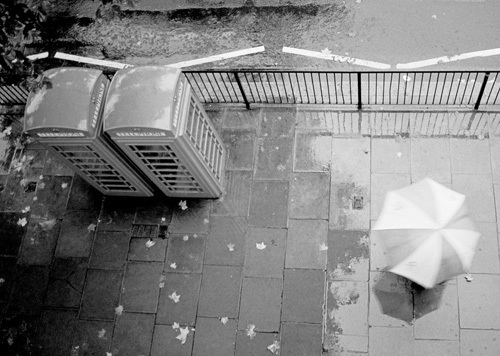 Rainy day, London Town by Niki Gorick