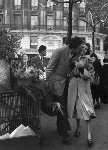 The Bunch of Daffodils by Robert Doisneau